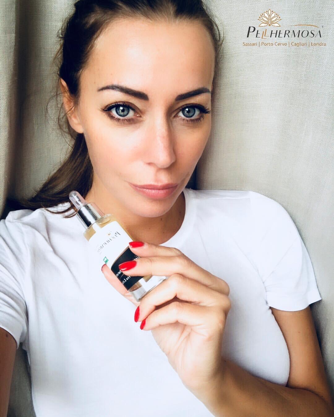 Karina Cascella ha provato il siero viso di  Pellhermosa