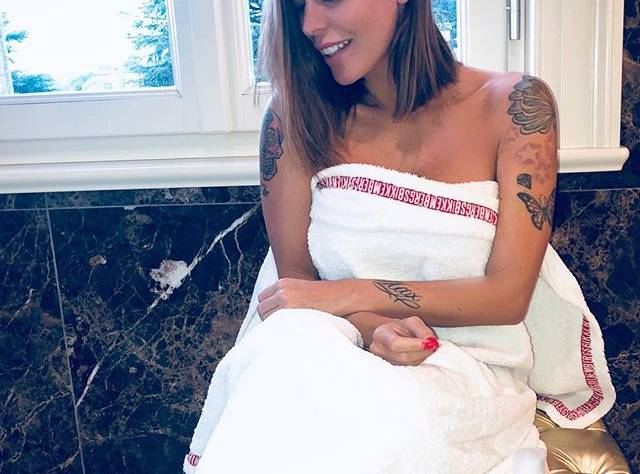 Karina Cascellapropone il gel lenitivo diPellhermosa